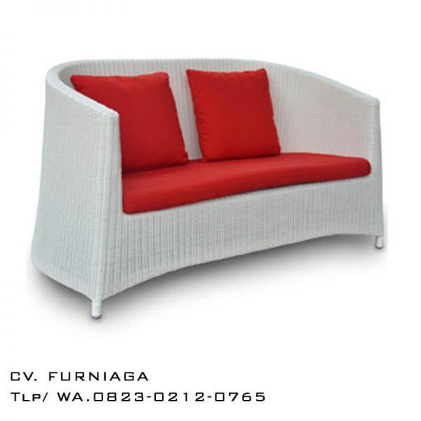 Sofa Bangku Rotan Klasik